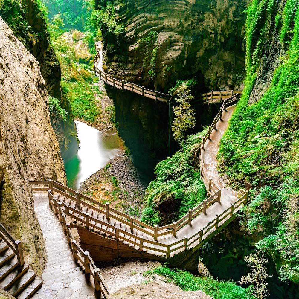 Longshuixia Fissure Gorge