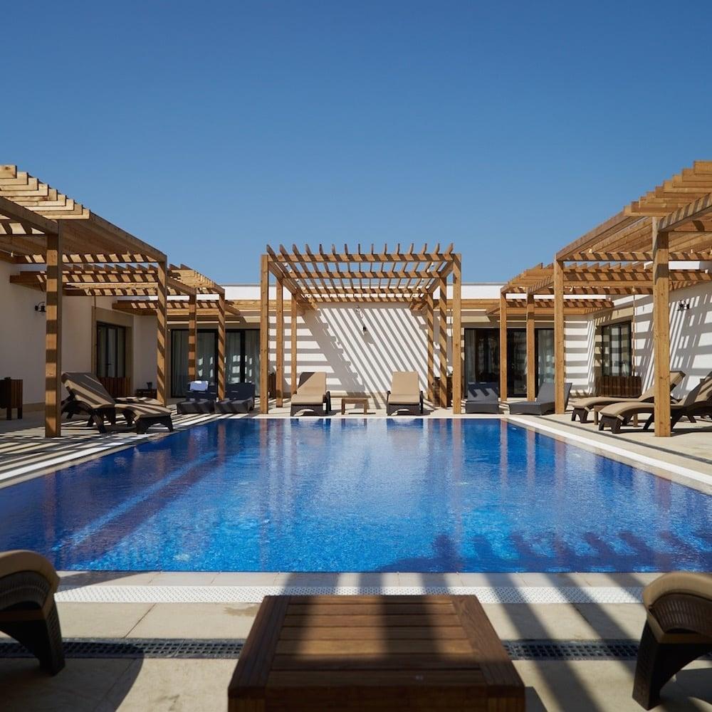 Blueplanet Beach Hotel, Shuraabad